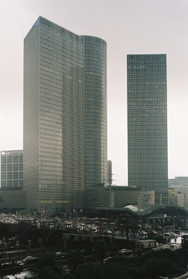 http://www.emanueletorti.it/files/gimgs/19_azrieli.jpg